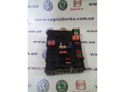 Блок предохранителей моторного отсека Skoda Octavia/Volkswagen Passat B6-B7/ Seat Toledo,Altea,Leon ,1k0937124k