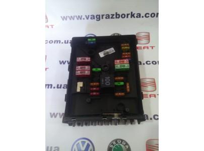 Блок предохранителей моторного отсека Skoda Octavia/Volkswagen Paasat B6-B7/ Seat Toledo,Altea,Leon ,1k0937125c
