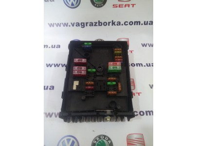 Блок предохранителей моторного отсека Skoda Octavia, Superb, Yeti /Volkswagen Passat B6-B7/ Seat Toledo,Altea,Leon ,1k0937125d