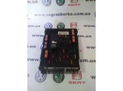 Блок предохранителей моторного отсека Volkswagen Passat B6-B7 3C0937125A