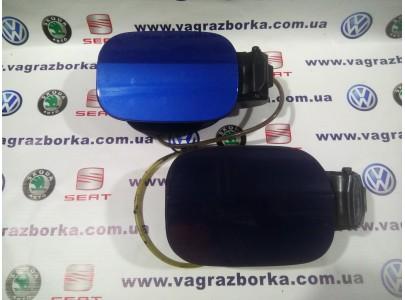 Крышка лючка заливной горловины для  Skoda Octavia A7