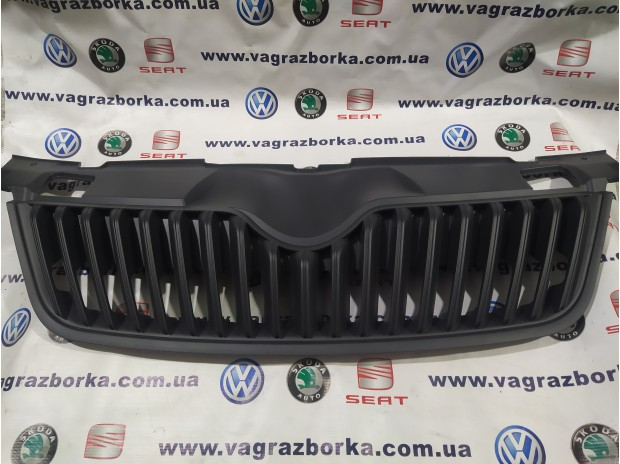 Решетка радиатора для автомобилей Skoda Fabia, Skoda Roomster 5J0858668B